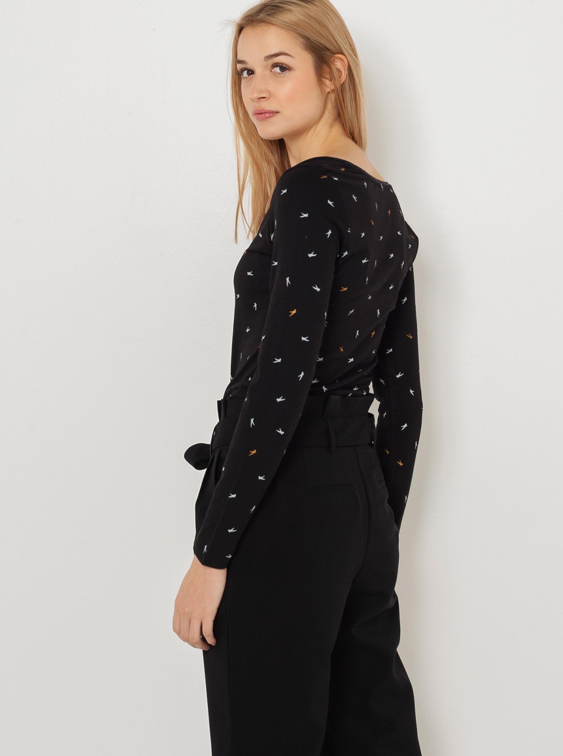 CAMAIEU czarny koszulka z wzorem
