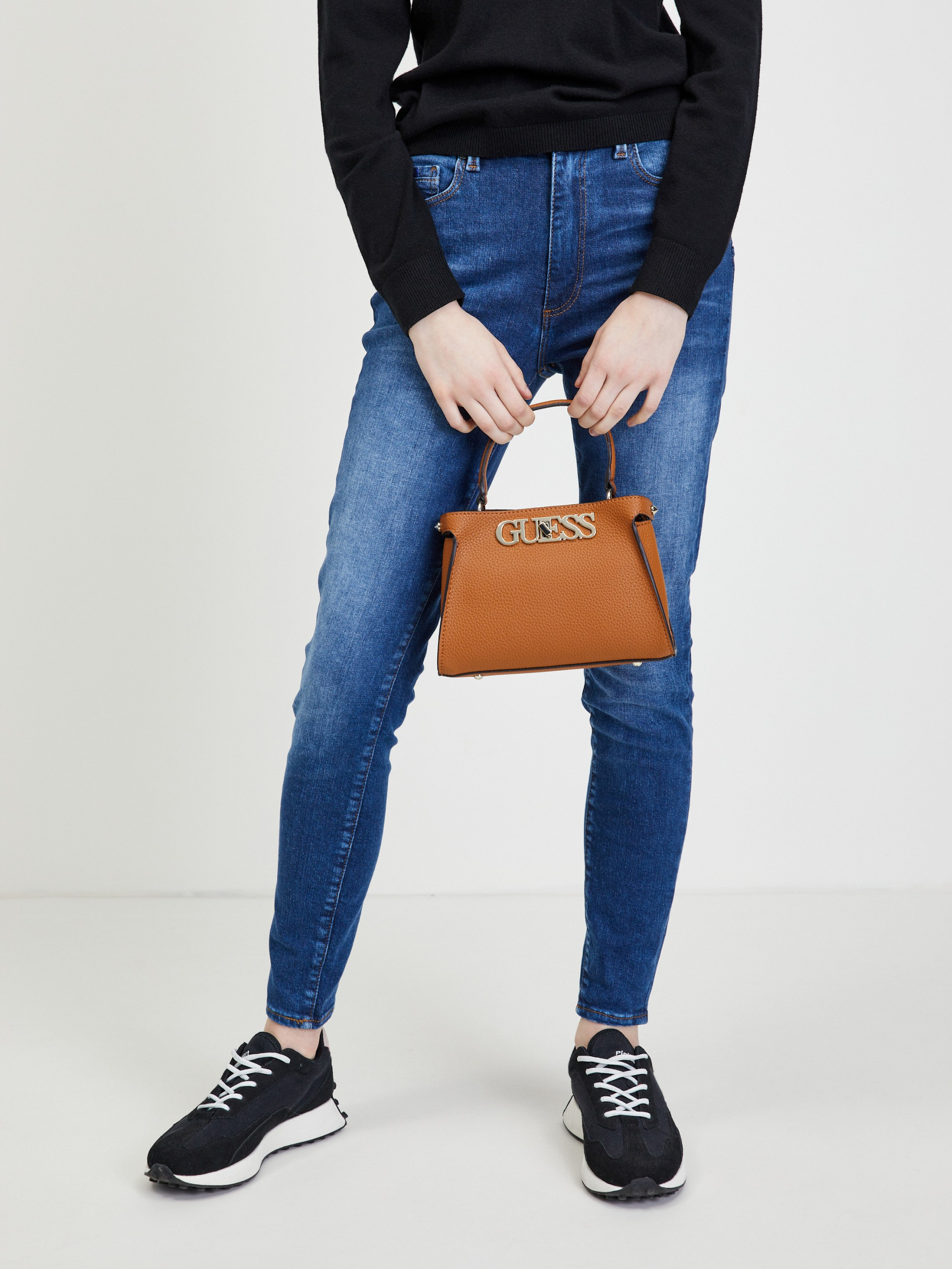 Guess brązowy torebka Uptown Chic Small