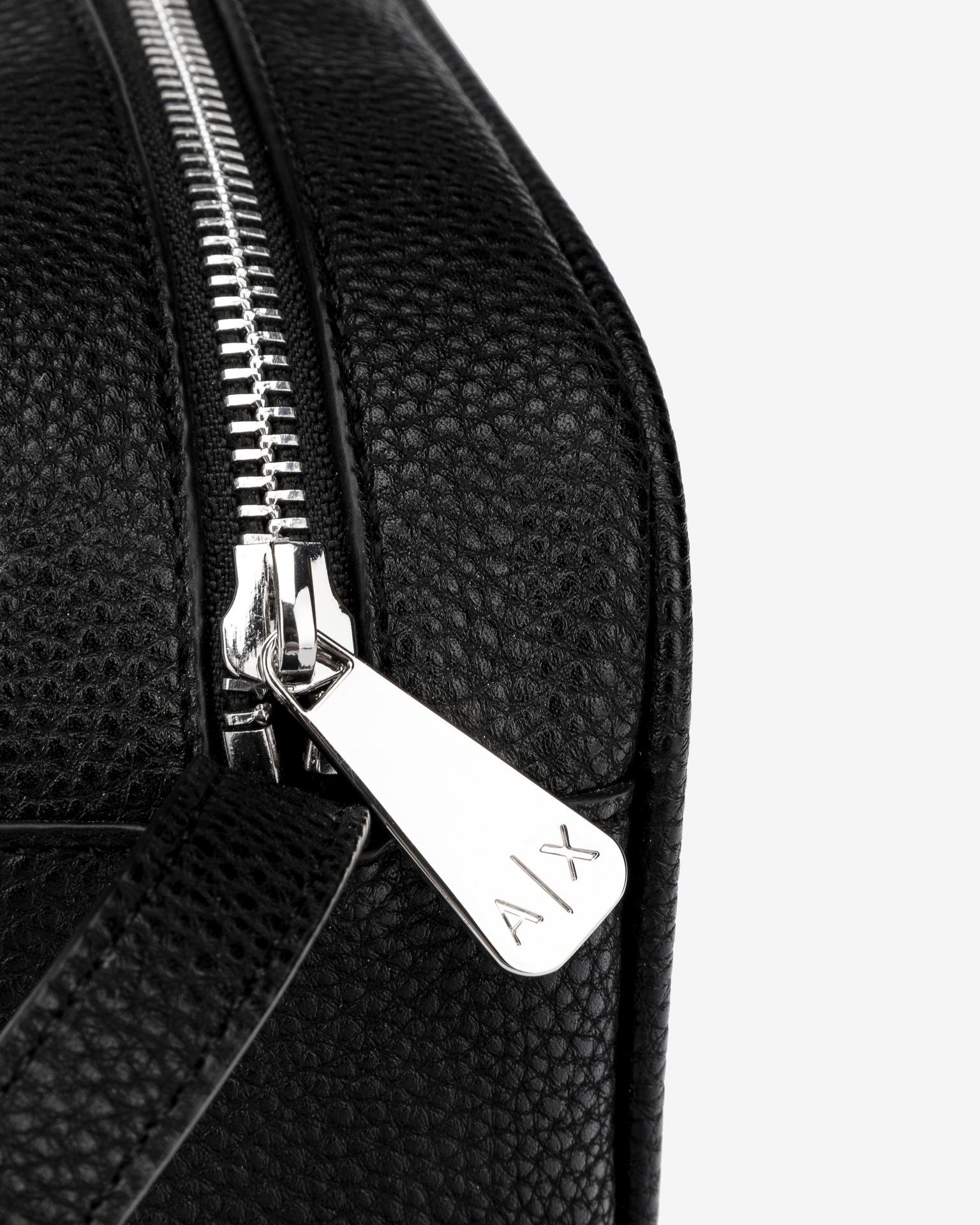 Armani Exchange czarny crossbody torba