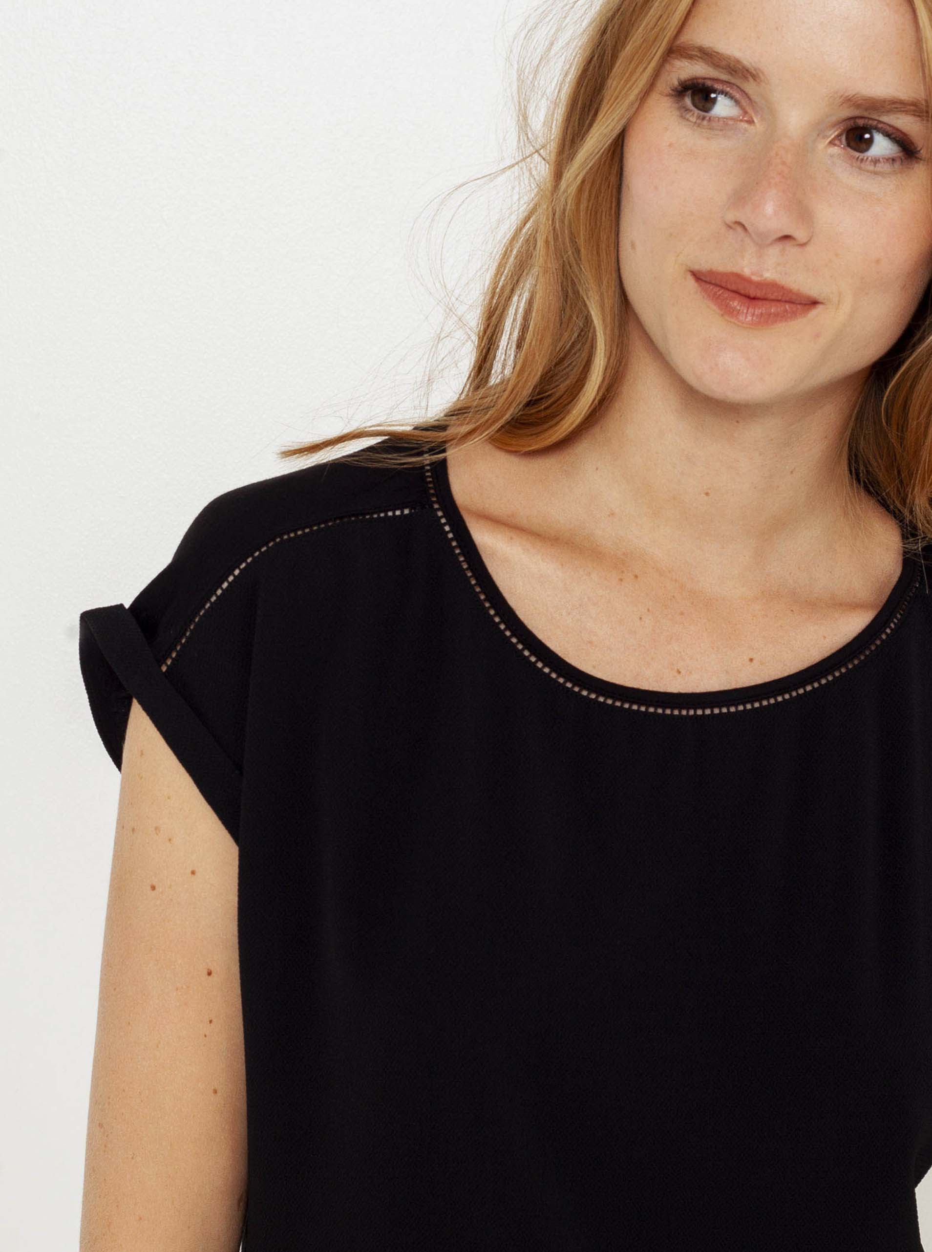 CAMAIEU czarny koszulka