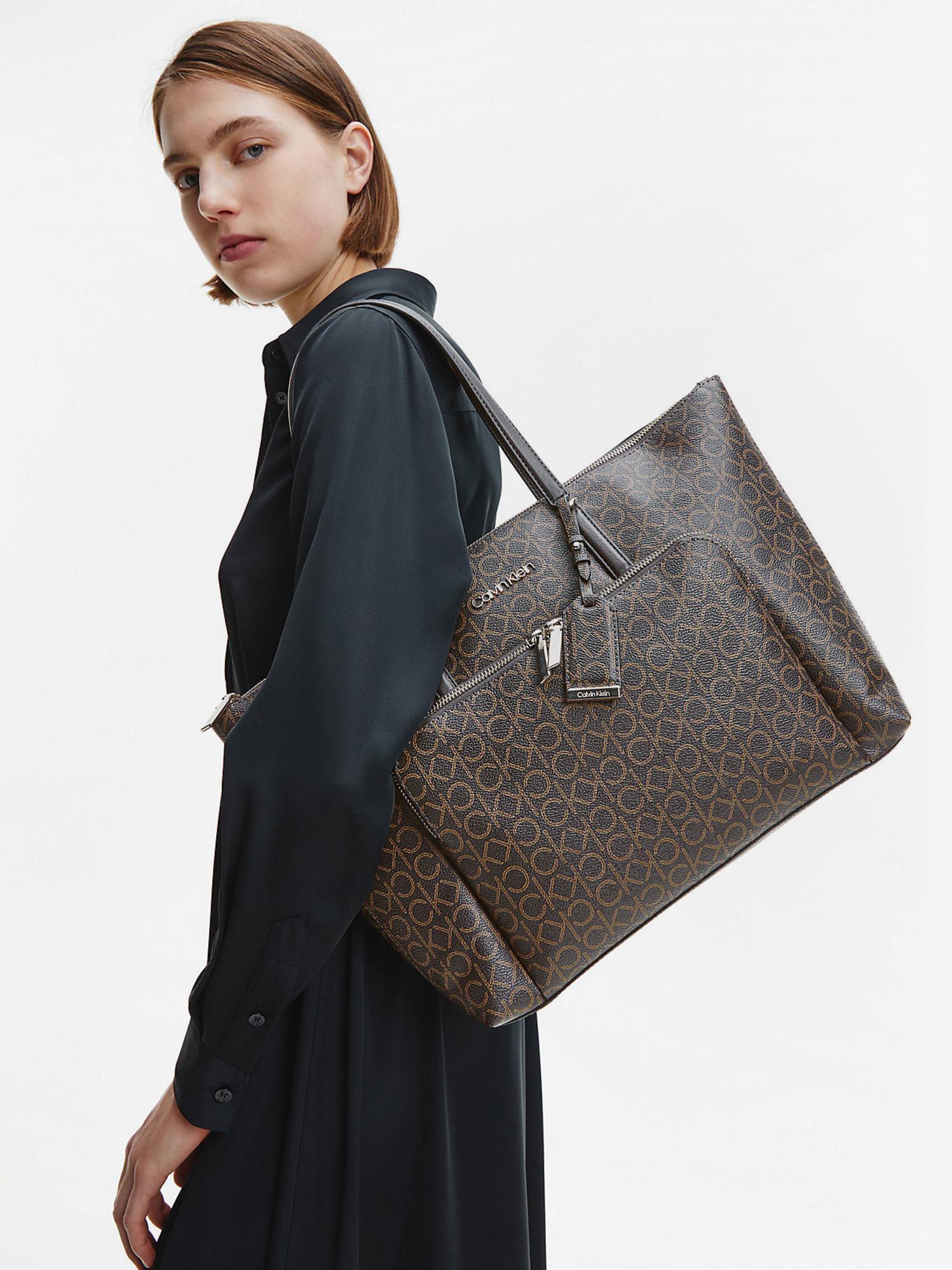 Calvin Klein brązowy torebka Must Shopper