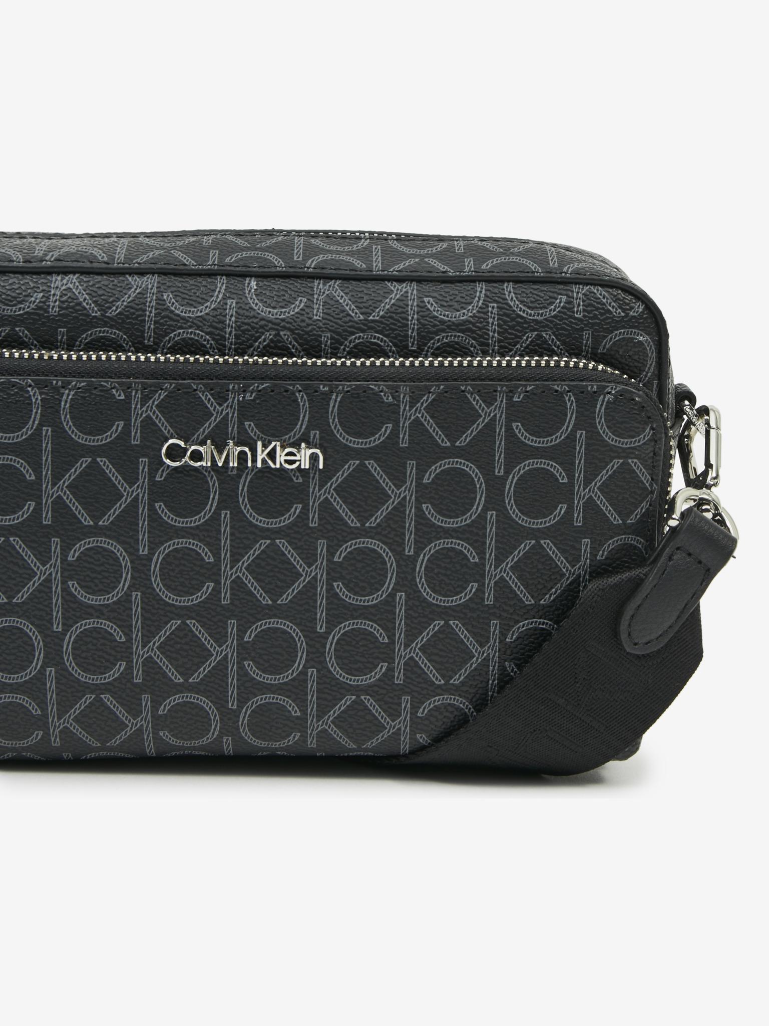 Calvin Klein czarny crossbody torebka Must Camera