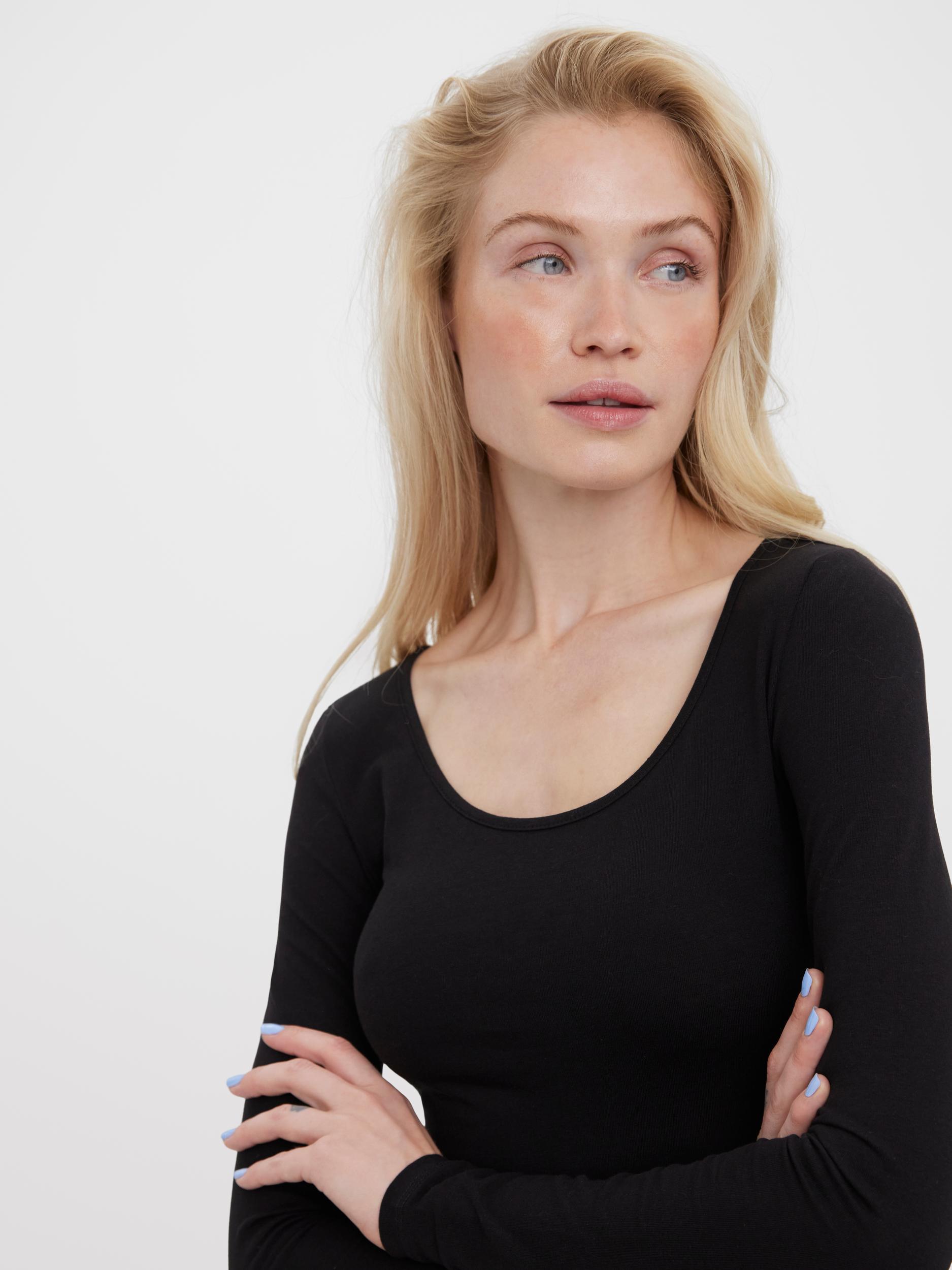 Czarna długa basic koszulka na długi rękaw VERO MODA Maxi My