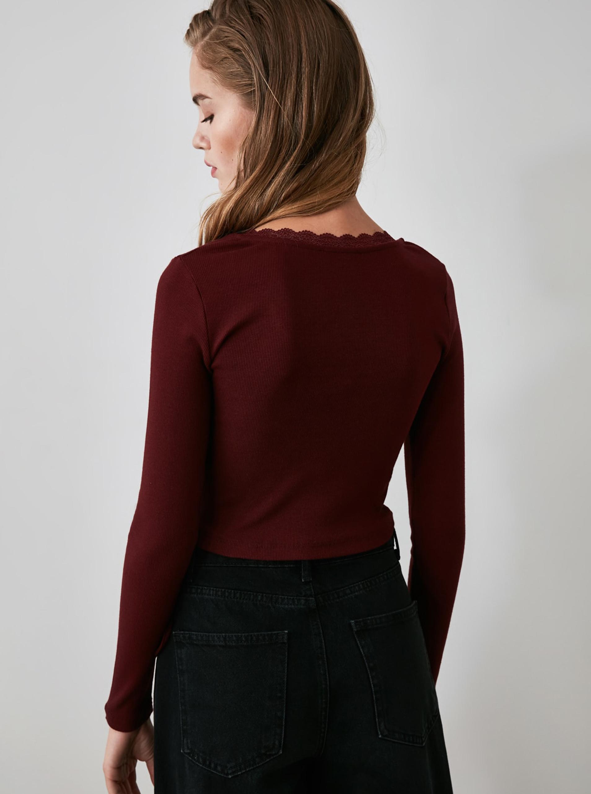 Bordowa, krótka koszulka z wiązaniem Trendyol