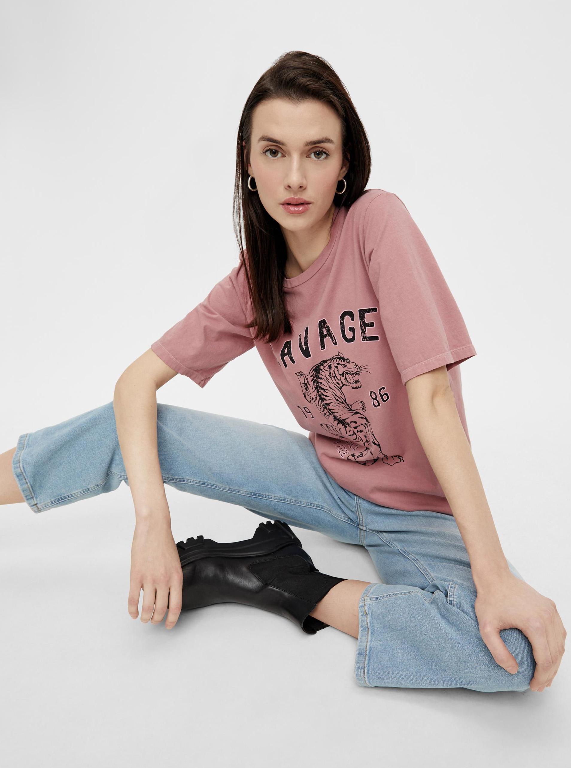 Pieces różowa koszulka damska z nadrukiem